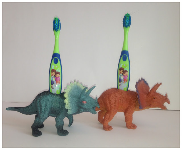50 Crafts To Make and Sell - Easy DIY Ideas for Cheap Things To Sell on Etsy, Online and for Craft Fairs. Make Money with These Homemade Crafts for Teens, Kids, Christmas, Summer, Mother's Day Gifts. | Dinosaur Toothbrush Holders #crafts #diy