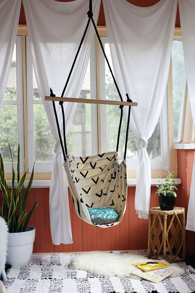 50 Crafts To Make and Sell - Easy DIY Ideas for Cheap Things To Sell on Etsy, Online and for Craft Fairs. Make Money with These Homemade Crafts for Teens, Kids, Christmas, Summer, Mother's Day Gifts. | DIY Hammock Chair #crafts #diy