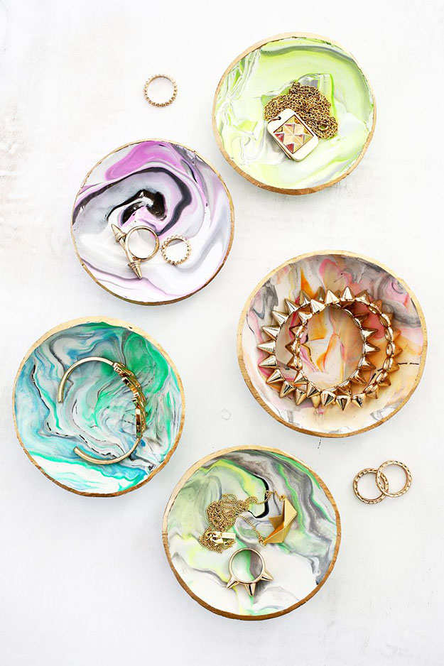 50 Crafts To Make and Sell - Easy DIY Ideas for Cheap Things To Sell on Etsy, Online and for Craft Fairs. Make Money with These Homemade Crafts for Teens, Kids, Christmas, Summer, Mother's Day Gifts. | Marbled Clay DIY Ring Dish #crafts #diy