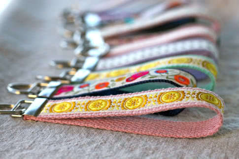 50 Crafts To Make and Sell - Easy DIY Ideas for Cheap Things To Sell on Etsy, Online and for Craft Fairs. Make Money with These Homemade Crafts for Teens, Kids, Christmas, Summer, Mother's Day Gifts. | Wristlet Key Fob #crafts #diy